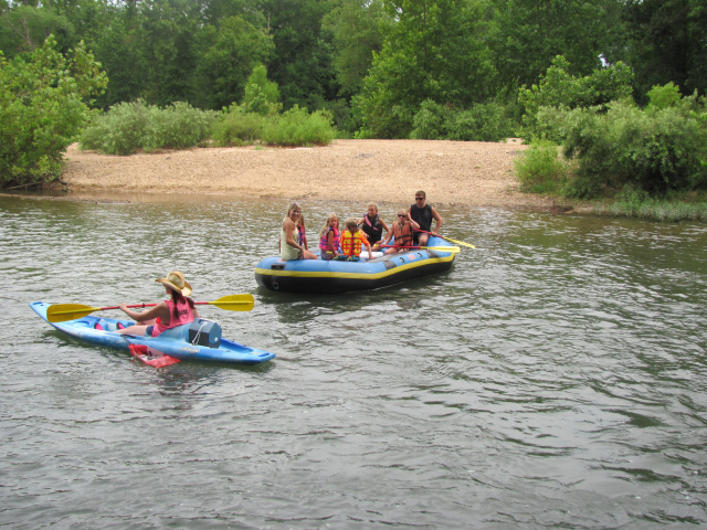 Family_of_7_Smiling_Kayak_Cowgirl_2015-2